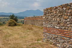 Ruïnes van de middeleeuwse Byzantijnse stad Caricin Grad Stock Afbeeldingen