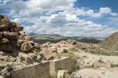 Ruïnes van de oude vesting van Chavushtepe De plaats is oostelijk Turkije royalty-vrije stock foto's