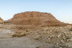 Ruïnes van de oude vesting van Massada op de berg dichtbij het dode overzees in zuidelijk Israël Royalty-vrije Stock Fotografie