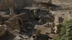 Ruïnes van de pool van Bethesda in Jeruzalem stock footage