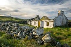 Ruïnes van een Iers Plattelandshuisje stock afbeeldingen