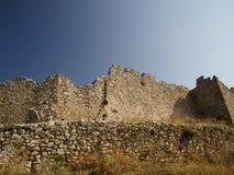 Ruïnes van een oud kasteel in Griekenland Royalty-vrije Stock Foto's