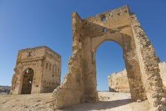 Ruïnes van graven in een woestijn royalty-vrije stock afbeeldingen