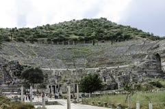 Ruïnes van groot theater in Ephesus Stock Foto's