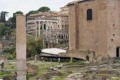 Ruïnes van het Huis van Vestals in Roman Forum Mooie oude vensters in Rome (Italië) stock afbeeldingen