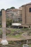 Ruïnes van het Huis van Vestals in Roman Forum Mooie oude vensters in Rome (Italië) stock fotografie