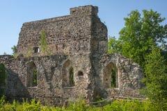 Ruïnes van het Middeleeuwse Kasteel van Sigulda stock foto