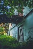 Ruïnes van het oude baksteenhuis van Tomasz Wawzecki Vidzydorp Stock Foto