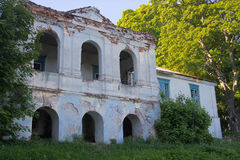 Ruïnes van het oude baksteenhuis van Tomasz Wawzecki Vidzydorp Royalty-vrije Stock Foto's