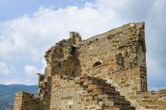 Ruïnes van het oude kasteel Stock Foto