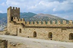 Ruïnes van het oude kasteel Stock Foto's