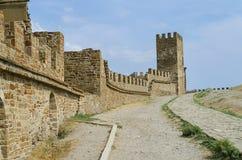 Ruïnes van het oude kasteel Stock Afbeeldingen
