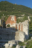 Ruïnes van het Roman theater in Gubbio (Umbrië, Italië) Royalty-vrije Stock Fotografie