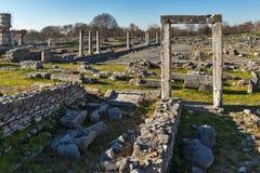 Ruïnes van ingang en panorama van archeologisch gebied van oude Philippi, Griekenland royalty-vrije stock foto