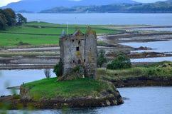Ruïnes van Kasteel Stalker in Schotland stock foto