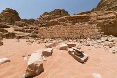 Ruïnes van Lawrance van het huis van Arabië, die in Wadi Rum-woestijn, J worden gevestigd Stock Foto's