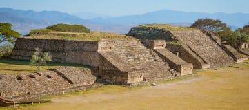 Ruïnes van van Monte Alban - Oaxaca, Mexico royalty-vrije stock afbeeldingen