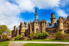 Ruïnes van mooi Lowenburg-kasteel in Bergpark stock fotografie