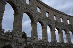 Ruïnes van oud amfitheater in Pula Kroatië royalty-vrije stock foto's