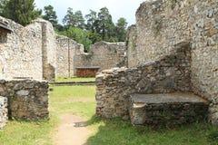 Ruïnes van oud klooster in Slowaaks Paradijs stock fotografie