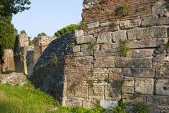 Ruïnes van oud Roman amfitheater Royalty-vrije Stock Foto's