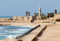 Ruïnes van oude die Cesarea door Herod worden gebouwd Royalty-vrije Stock Afbeeldingen