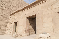 Ruïnes van oude Egyptische tempel Royalty-vrije Stock Afbeeldingen