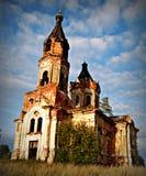Ruïnes van oude kerk stock foto