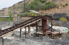 Ruïnes van oude metaalmijn en metallurgische fabriek Stock Foto