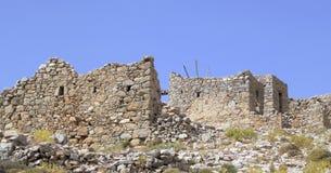 Ruïnes van oude Venetiaanse ingebouwde windmolens 15de eeuw, Lassithi-Plateau, Kreta, Griekenland stock foto's