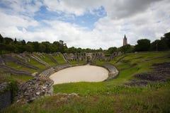Ruïnes van roman amfitheater stock afbeelding