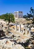 Ruïnes van tempel in Corinth, Griekenland Stock Fotografie