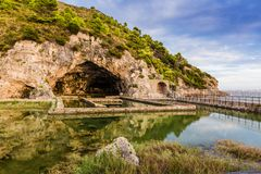 Ruïnes van Tiberius-villa in Sperlonga, Lazio, Italië Stock Foto