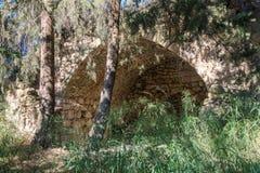 Ruïnes van verlaten Palestijns dorp Kafr Birim in het noorden van Israël waarin de christenen Maronites tot het midden leefden royalty-vrije stock afbeelding