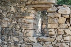 Ruïnes van verlaten Palestijns dorp Kafr Birim in het noorden van Israël waarin de christenen Maronites tot het midden leefden stock fotografie