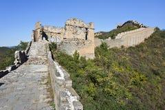 Ruïnes van watchtower bij de Grote Muur van Jinshanling, 120 km noordoostelijke van Peking Royalty-vrije Stock Foto's