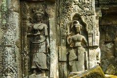 Ru?nas do templo antigo de Beng Mealea sobre a selva, Cambodia imagem de stock