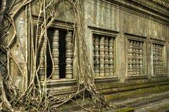 Ru?nas do templo antigo de Beng Mealea sobre a selva, Cambodia imagens de stock royalty free