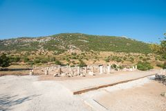 Ru?nes van de oude stad Ephesus, de oude Griekse stad in Turkije, in een mooie de zomerdag stock afbeeldingen