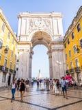 Rua奥古斯塔曲拱在里斯本,葡萄牙 库存图片