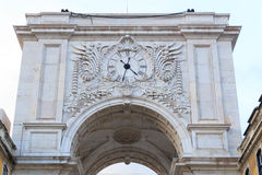 Rua Augusta Arch Backside a Lisbona immagine stock