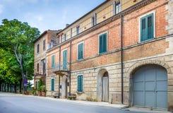 Rua bonita de Montisi, Toscânia Fotos de Stock Royalty Free