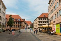 Rua bonita de Nuremberg no dia de verão Fotografia de Stock