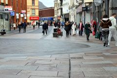 Rua britânica da compra fotografia de stock royalty free