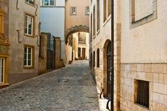 Rua cénico bonita em Luxembourg Imagens de Stock Royalty Free