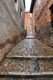 Rua Cobbled em Ayllon, Segovia, Espanha fotos de stock