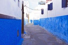 Rua colorida do Kasbah do Udayas em Rabat, Marrocos, A Foto de Stock Royalty Free