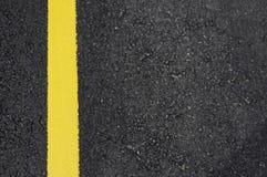 Rua com linha amarela Imagem de Stock Royalty Free