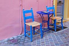Rua confortável de Chania, Creta, Grécia Foto de Stock