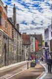 Rua da cidade velha de Canterbury, Reino Unido, o 13 de julho de 2016 fotos de stock royalty free